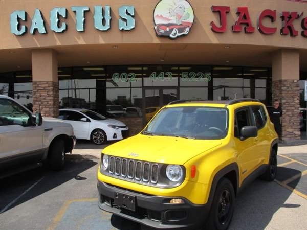 Pre-Owned 2016 JEEP RENEGADE 4DSW
